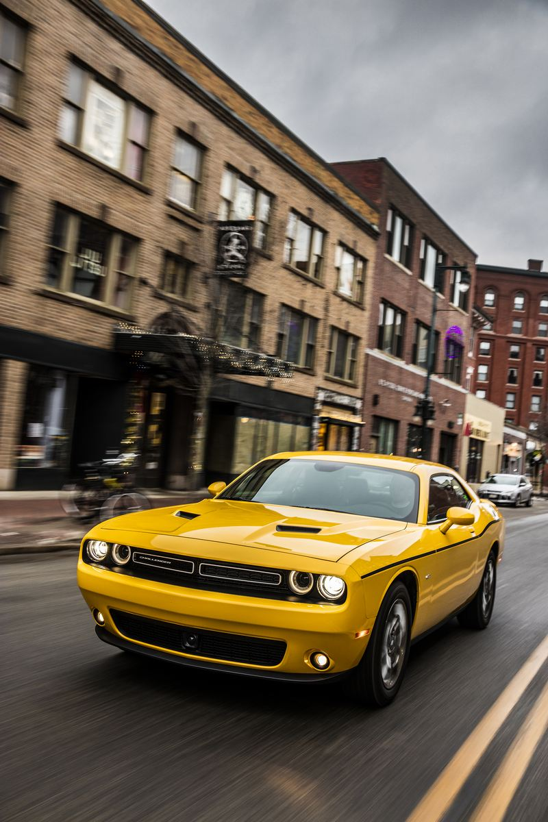 2018 Dodge Charger: 2018 Dodge Challenger GT AWD
